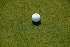 golf-ball-on-putting-green[1]